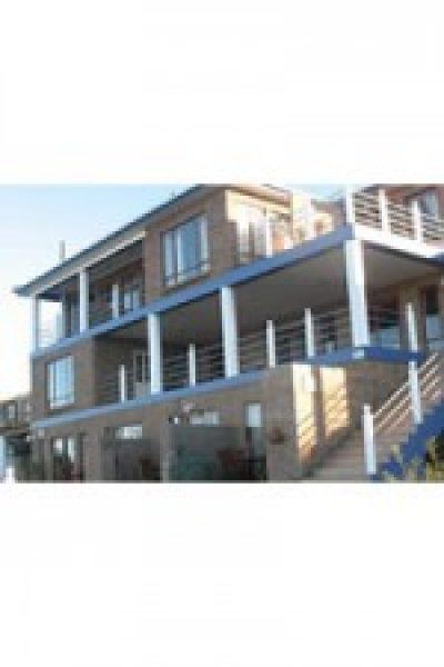 Amzee Bokmakierie Guest House